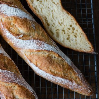 Französisches Baguette selber backen