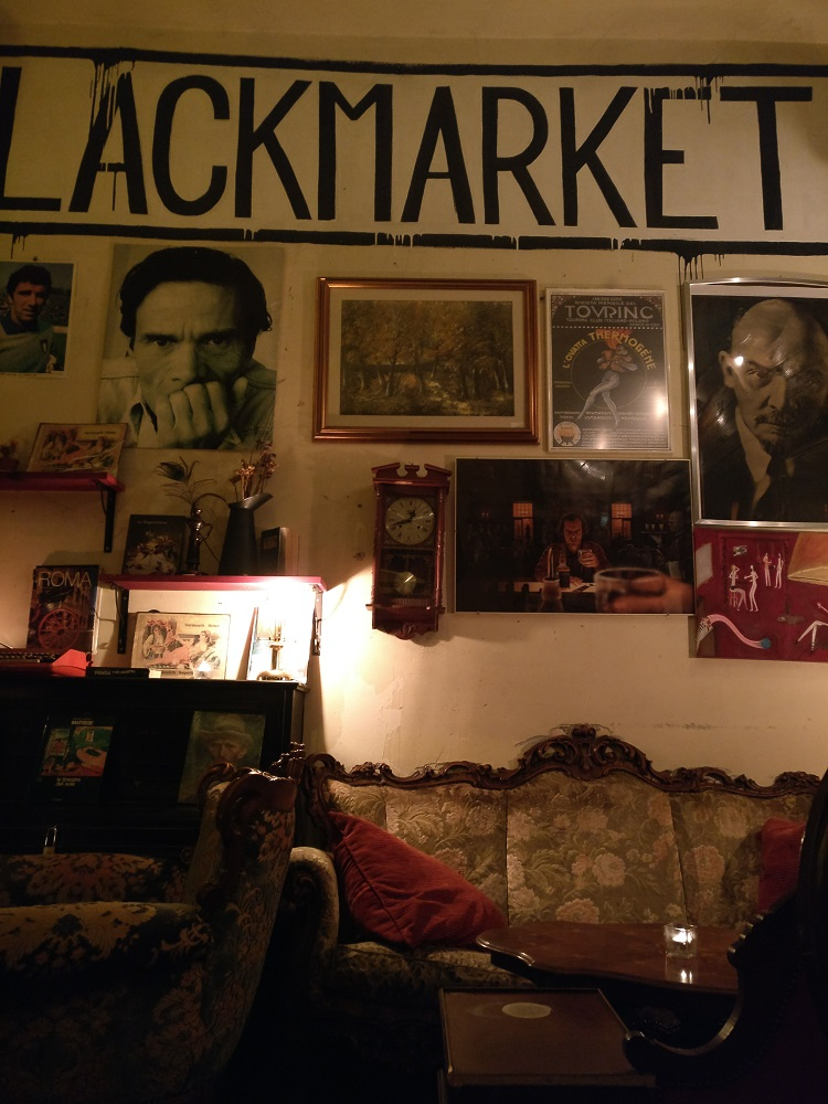 Rom Black Market