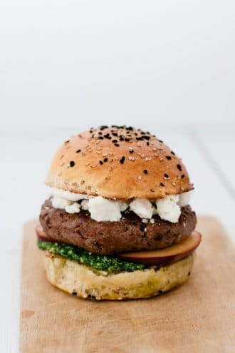 pfirsich_burger_rukola_pesto