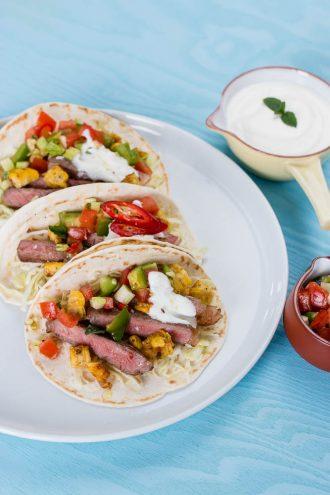 Steak Tacos mit Roasbeef, geröstetem Mais und frischer Salsa